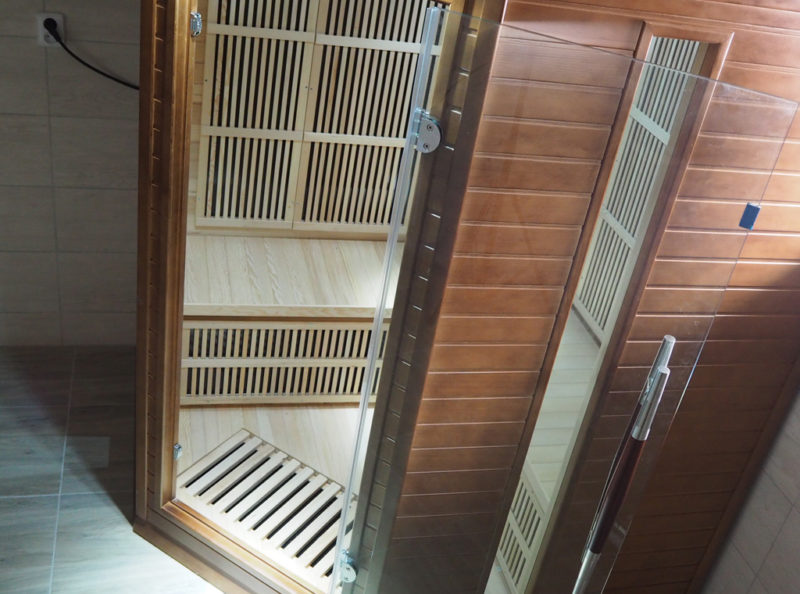 Sauna se sprchou